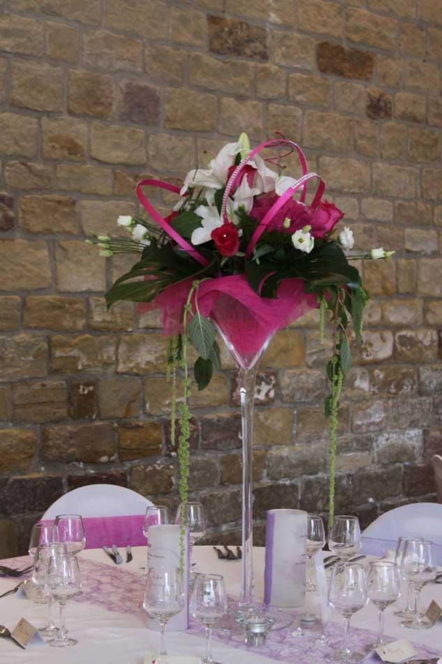 R ussir la d coration florale des tables aloe fleurs - Grand verre a pied pour decoration ...