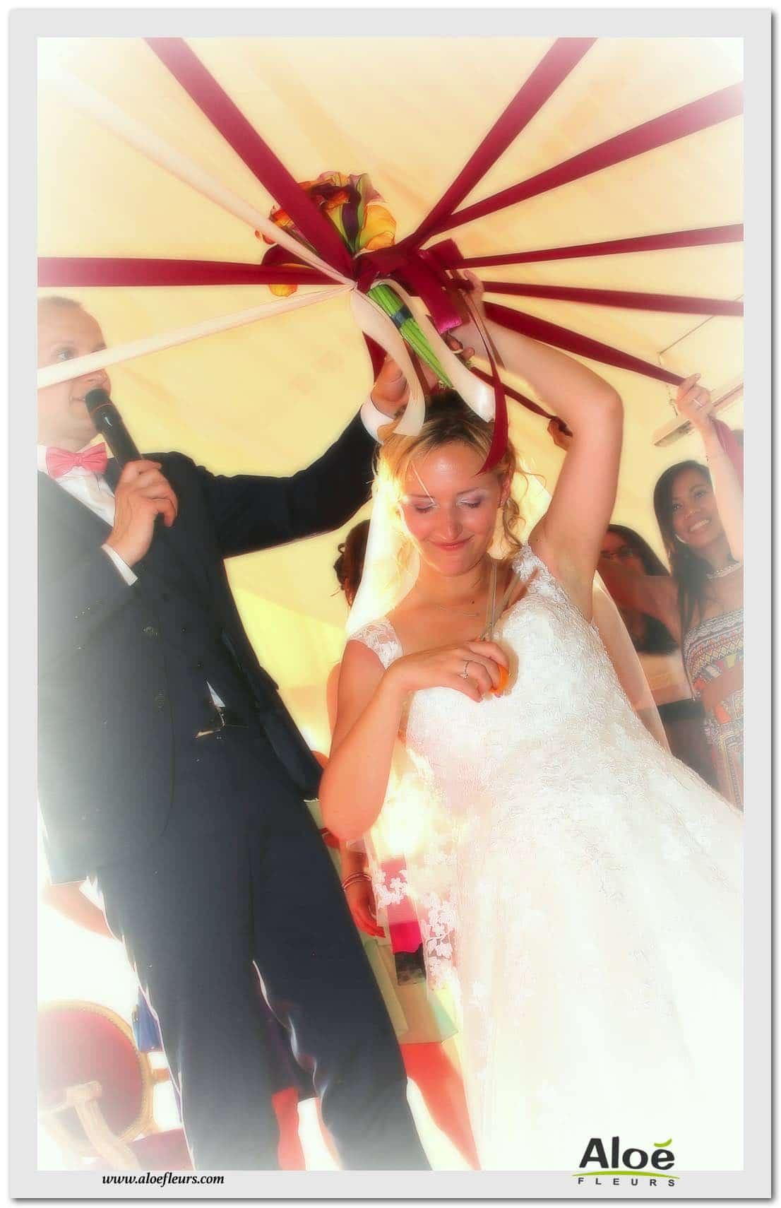 le lancer de bouquet de mariée